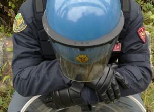 celerino-casco-polizia-reparto-mobile2