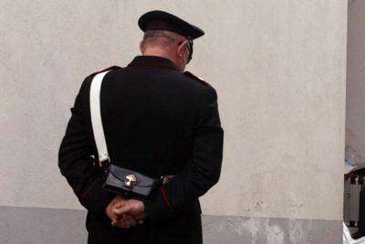 Carabiniere_spalle_fg