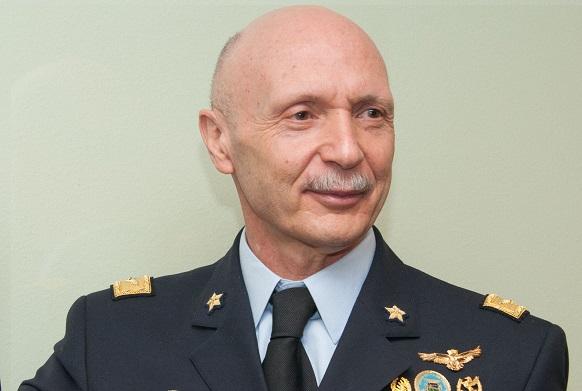 https://www.ilsole24ore.com/art/notizie/2018-10-15/vecciarelli-vertice-stato-maggiore-difesa-190024.shtml?uuid=AEfzxTNG